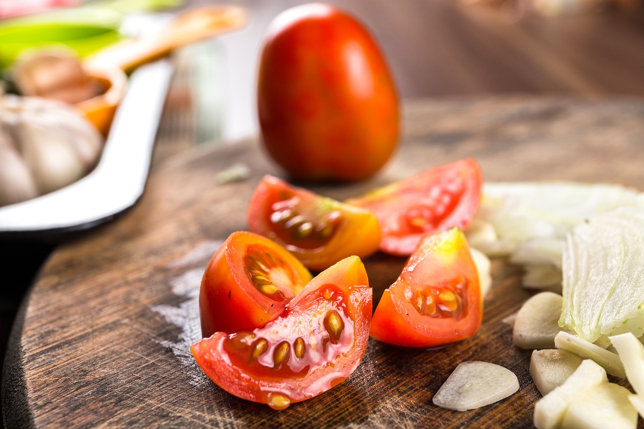 Tomato Food Red Meal Cuisine  - dapurmelodi / Pixabay